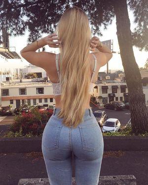 Фото блондинки с инстаграма. 2 фото