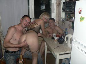 Подборка фотографий с пьяных вечеринок 3 фото