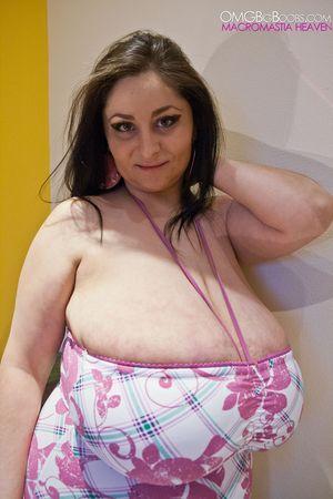 Тетка с огромной грудью 5 фото