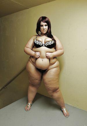 Толстые тетки в нижнем белье