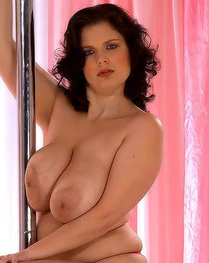 Полная женщина с огромными сиськами 1 фото