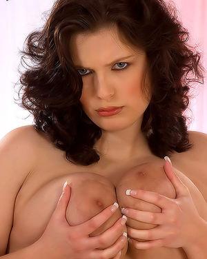 Полная женщина с огромными сиськами 5 фото