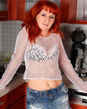 Волосатая пизда рыжей женщины 1 фото