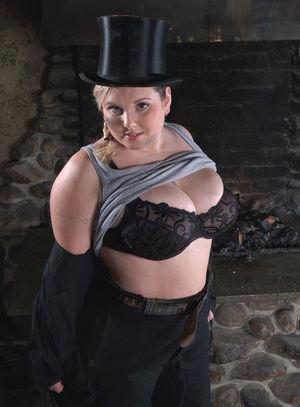 Фото милой толстушки с большими сиськами. 5 фото