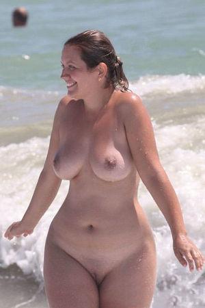 Горячие голые пышки 5 фото