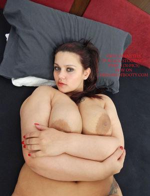 Толстуха с большой задницей 4 фото