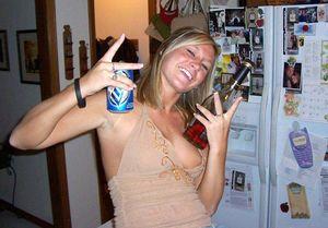 Пьяные девушки после бурных гулянок 3 фото