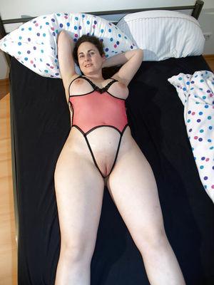 Развратная жена из Германии. 5 фото
