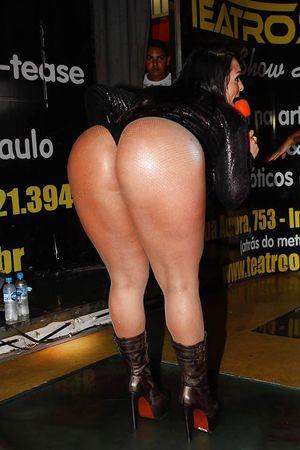 Andressa Soares - телка с шикарной жопой 14 фото