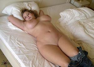Толстая девка с большими сиськами 12 фото