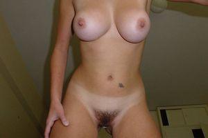 Молоденькая блонда с большими сиськами 5 фото