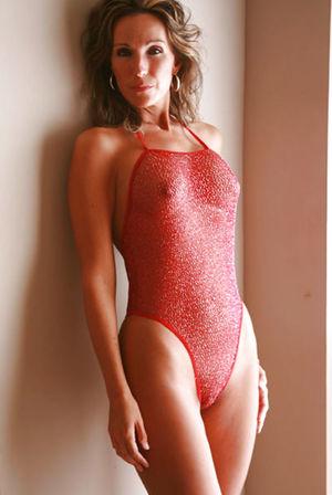 Зрелая женщина с красивым телом