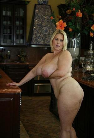 Зрелая блондинка с большими сиськами 11 фото