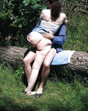 Ебля на природе с женой 6 фото