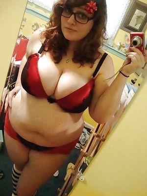Селфи больших пышных толстух