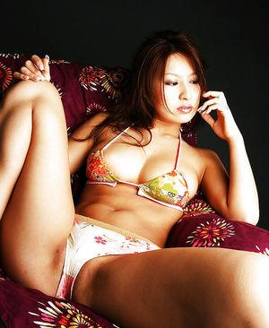 Хорошенькая азиаткочка - Reina Matsushima 11 фото