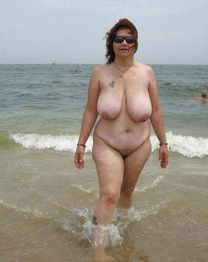 Зрелые толстушки и их любительские фото 13 фото