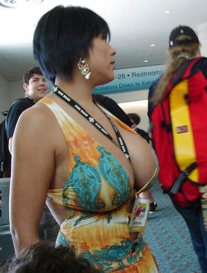 Зрелые дамы в сексуальных нарядах 9 фото