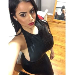 Арабская девушка с пышными формами 13 фото