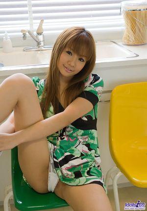 Сексуальная азиатская девица демонстрирует свое замечательное тело 3 фото