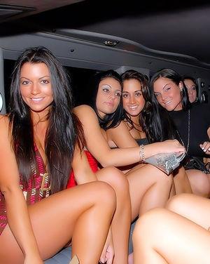 Мажор трахает компашку пьяных девушек 10 фото