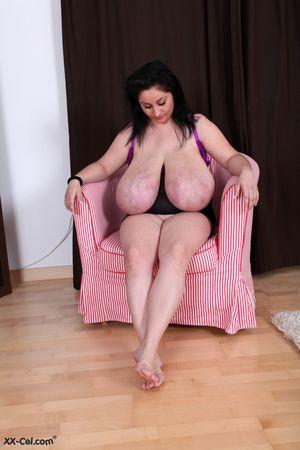 Огромные буфера толстухи 12 фото