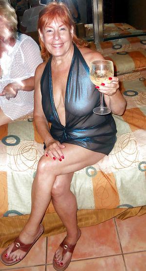 Зрелые дамы в сексуальных нарядах 13 фото