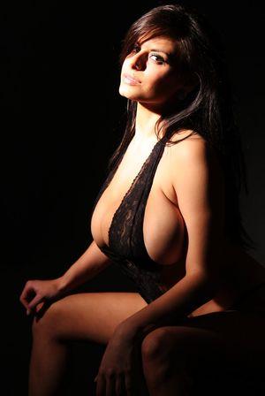Wendy Fiore в черном белье 4 фото
