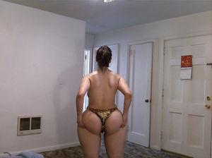 Женщина с огромным задом 9 фото