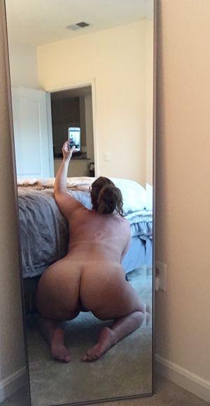Медсестра с большой широкой жопой 21 фото
