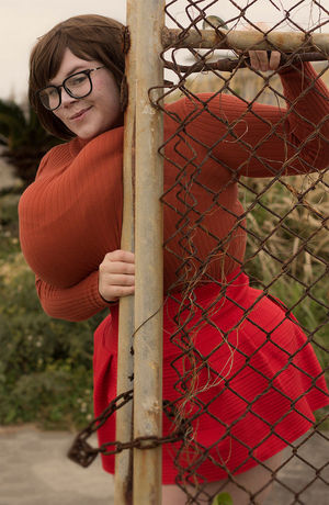 Пенни Браун -задорная толстушка с огромными буферами. 5 фото