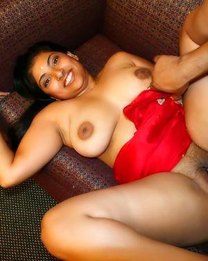 Индийская красотка с большими буферами 7 фото