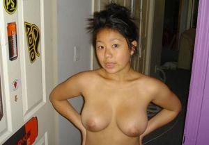 Сексуальная азиатка с большими сиськами 7 фото