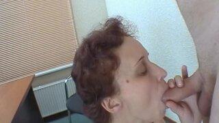 Зрелая женщина пришла на кастинг и получила то, что хотела