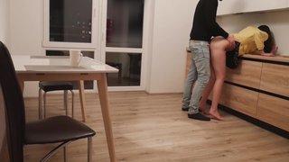 Застукал свою подругу за изменой на скрытую камеру
