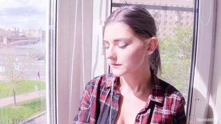 Моя милая сводная сестра мечтает о сексе с братиком - Eva Elfie