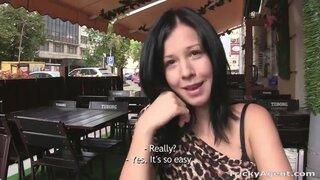 Даша планировала стать порно звездой и отправилась на кастинг