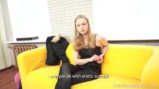 Хитрый агент убедил русскую блондинку, что секс на кастинге необходим